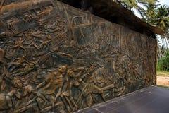 HIKKADUWA,斯里兰卡,大约2013年12月:对2004的海啸受害者的年纪念碑 库存图片