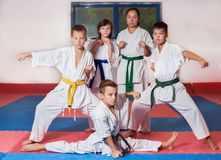 ?hildren demonstrate martial arts working together Royalty Free Stock Photography