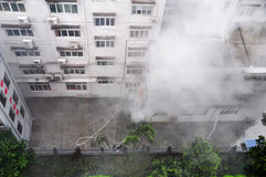 Hilfe im Feuer-Notfall Stockfoto