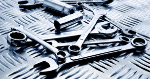 Hilfsmittel auf Stahlpanel Stockfoto