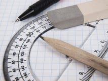 Hilfsmittel für das Zeichnen auf die Übungsteilseite Stockbilder
