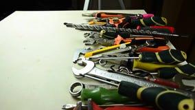 Hilfsmittel für Reparatur Werkzeuge vom Fach stock video footage