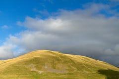 Hill και ουρανός Στοκ Εικόνες