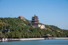 Hill μακροζωίας όχθεων της λίμνης Kunming θερινών παλατιών του Πεκίνου Στοκ εικόνες με δικαίωμα ελεύθερης χρήσης