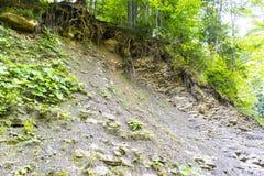 Hill με τα γεωλογικά στρώματα Στοκ Εικόνα