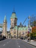 Hill του Κοινοβουλίου από την οδό Elgin Στοκ εικόνα με δικαίωμα ελεύθερης χρήσης
