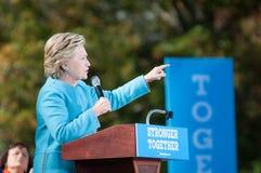 Hillary Clinton habla en Manchester, New Hampshire Imágenes de archivo libres de regalías