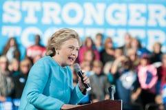 Hillary Clinton habla en Manchester, New Hampshire Imagen de archivo libre de regalías