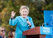 Hillary Clinton habla en Manchester, New Hampshire, el 24 de octubre de 2016 Imagen de archivo libre de regalías