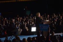 Hillary Clinton och Tim Kaine Campaigning Arkivfoton