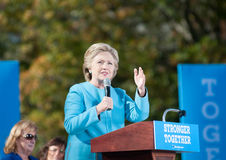 Hillary Clinton parle à Manchester, New Hampshire Images stock