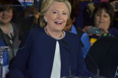 Hillary Clinton som delta i en kampanj i den stora korridoren Heinz Field Pittsb Royaltyfri Bild