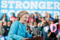 Hillary Clinton spreekt in Manchester, New Hampshire Royalty-vrije Stock Afbeelding
