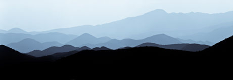 Hills in the fog Royalty Free Stock Images
