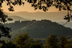 Hilltop village of Preggio in the hills of Umbria Stock Photos