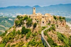 Hilltown italiano de Civita fotografia de stock