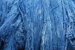 Hilo azul del algodón del tinte del añil: Primer fotografía de archivo