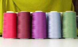 Hilo de coser industrial Imagen de archivo