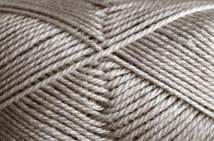 Hilo para obras de punto de las lanas Imágenes de archivo libres de regalías