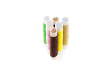 Hilos de coser multicolores. fotos de archivo libres de regalías
