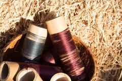 Hilos de la seda en bobinas foto de archivo libre de regalías