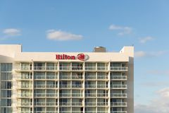Hilton Bentley Майами/на юг приставает к берегу размещенный на снятом приводе 101 океана в Miami Beach FL, США стоковые изображения