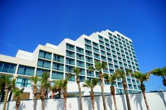 Hilton oceanviewhotell royaltyfri foto