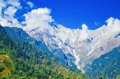 Himachal paradesh på väg till rothangpass Arkivfoto