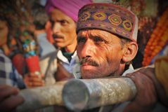Himachali Man carrying a Devta& x27;s palanquin during Shivratri Stock Images