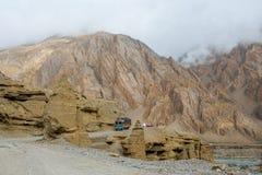 Himalaja-Autoreise von Manali zu Leh im Jahre 2015 Stockfotografie