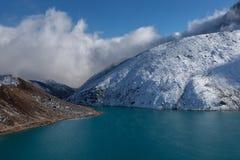 Himalaja-Berglandschaft Lizenzfreies Stockbild