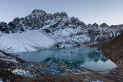 Himalaja-Berglandschaft Stockbild