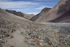 Himalaja-Gebirgslandschaft - Stok-Strecke Stockfotografie