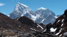 Himalajaberge in Nepal stockfotos