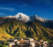 Himalajadorf, Nepal Stockbild