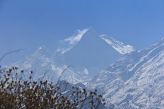 Himalaje Machapuchare halny szczyt z niebieskim niebem, Nepal Fotografia Royalty Free