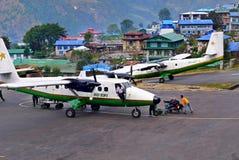 Himalaya aeropuerto, Nepal de los aviones Foto de archivo libre de regalías