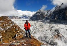 Himalaya berg som Trekking klättraren Arkivfoton