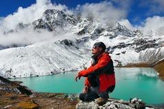 Himalaya berg som Trekking klättraren Royaltyfria Foton