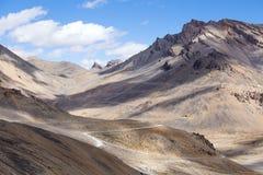 Himalaya längs den Manali-Leh huvudvägen india Royaltyfria Bilder