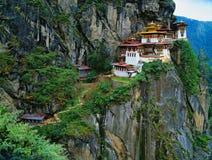 Himalaya, Tibet, Butão, Paro Taktsan, Taktsang Palphug Monaster imagem de stock