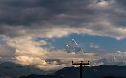 Himalayagebergte van Nepal Machapuchare royalty-vrije stock afbeelding