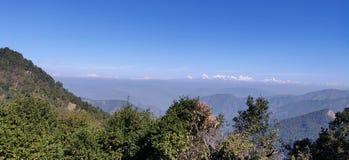 Himalayagebergte van ver stock foto's