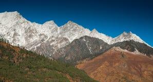 himalayan пики стоковые изображения