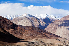 Himalayan mountain landscape along Manali - Leh road, India Stock Photos