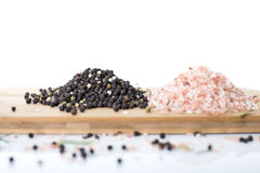Himalayan vagga salt, olivolja och pepparkorn Royaltyfri Foto