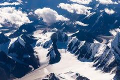 Himalayanbergen met een vogel-oog mening, Leh, Ladakh, India Royalty-vrije Stock Afbeeldingen