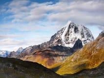 Himalayas Khumbu region, Taboche maximum Royaltyfri Foto