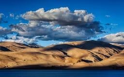 Himalayas and Lake Tso Moriri on sunset, Ladakh Royalty Free Stock Photos