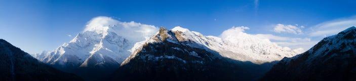 Himalayas Nepal da cordilheira de Annapurna do panorama Imagens de Stock